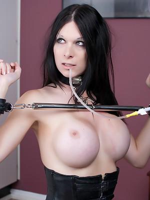 Brunette Tranny Hannah Sweden Gets an anal enema